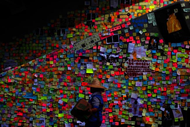 反送中運動中,連儂牆成為香港示威者表達立場的重要場域。路透
