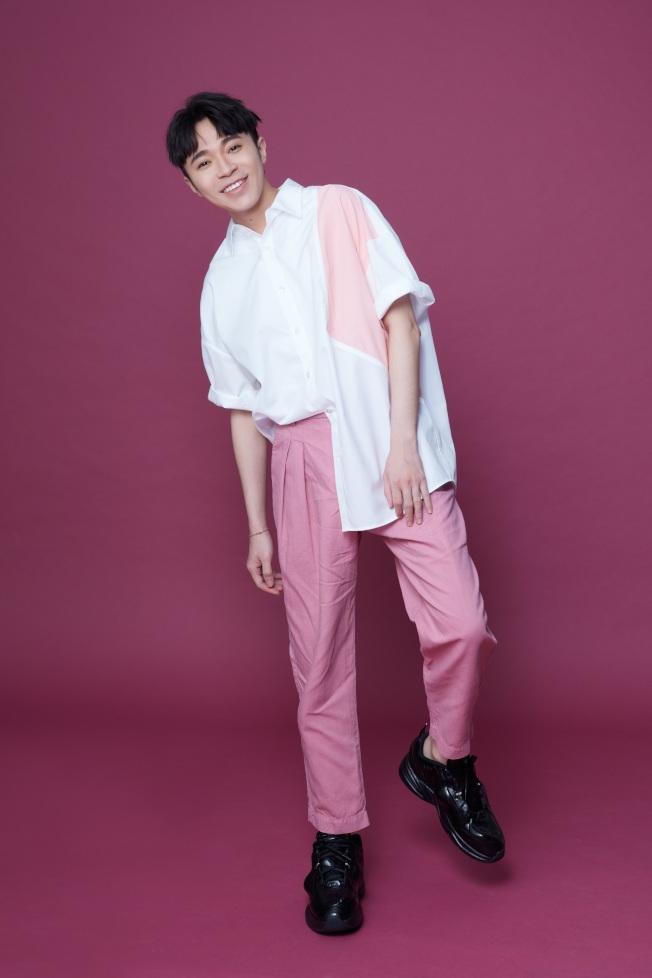 吳青峰在合約糾紛後,如期舉行「太空備忘記」雄蛋演唱會。圖/環球音樂提供