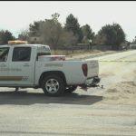 怪漢駕車撞入民宅持棒毆老人 遭警擊斃