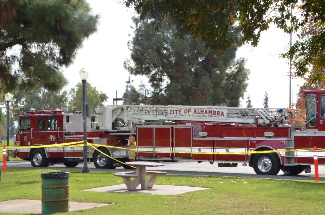 阿市消防局接到警報後來到現場協助調查。(記者王全秀子/攝影)