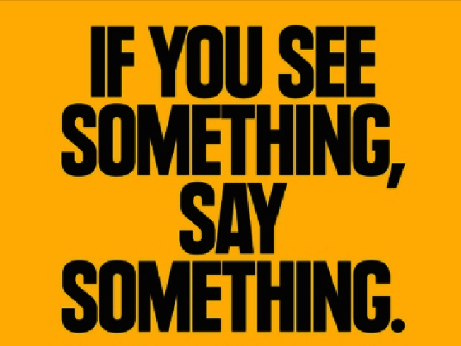 MTA的「你看見什麼,說什麼」標語,本意是提醒通勤者舉報恐怖分子和防止性騷擾。(取自MTA網站)