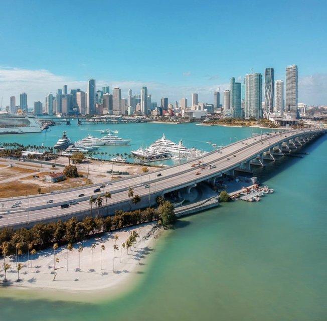 駐美外國員工最愛的美國城市是邁阿密,肯定該市的社群活動、氣候、友善。(取自推特)