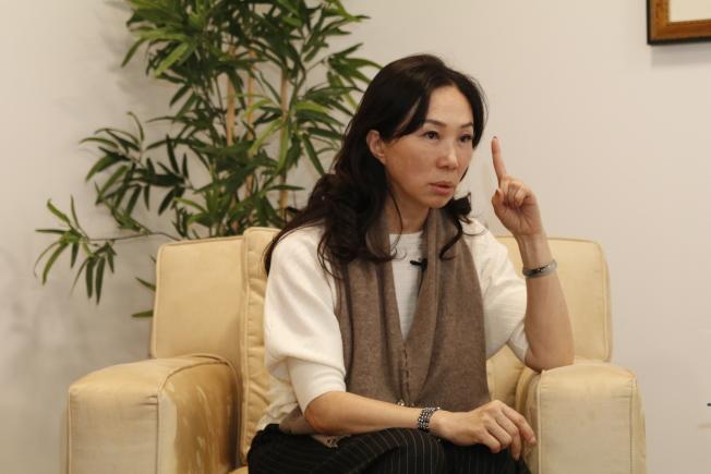 李佳芬受訪時表示,當「中華民國」無法得到認同時,問題就來了。(記者呂賢修/攝影)