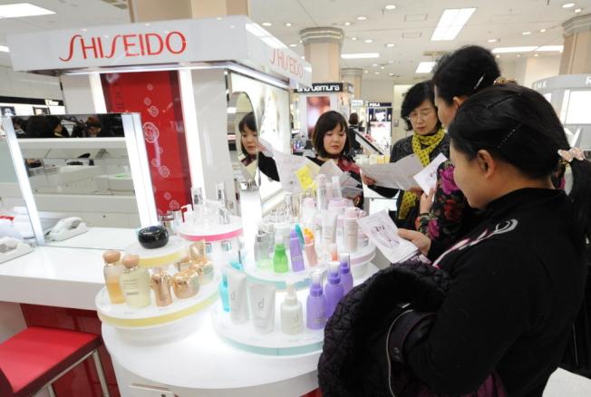 日本化妝品愈來愈受中國市場歡迎。歐新社