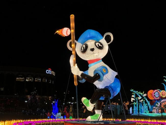 「棒球熊貓」呼應紐約客喜愛的紐約大都會球隊。(記者賴蕙榆/攝影)