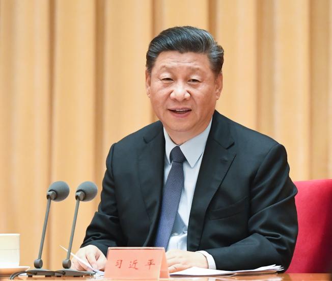 國家主席習近平在中央經濟工作會議上,分析當前中國經濟形勢,部署明年經濟工作。 (新華社)
