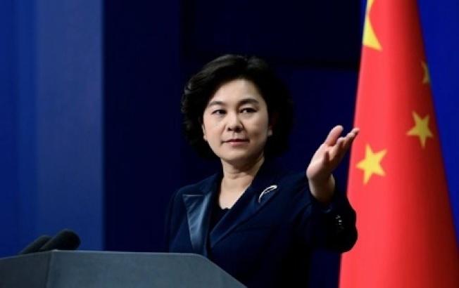 對「中國威脅論」,中國外交部發言人華春瑩表示,熊貓體型很大,但牠會比禿鷹更危險嗎?即使是功夫熊貓,那也是行俠仗義。(取材自中國外交部網站)