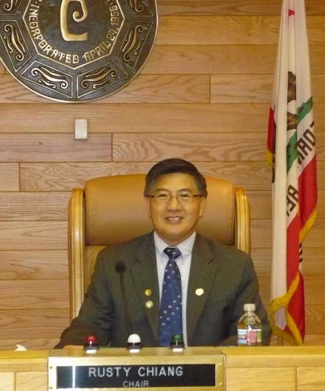 姜良淼將參選2020年3月喜瑞都市議員,他的主要政見有三項。(姜良淼提供)