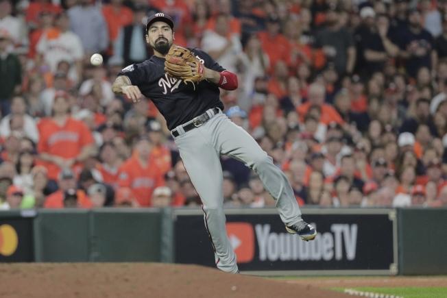瑞登是大聯盟最佳三壘手之一,以七年大約轉戰天使隊。(美聯社)