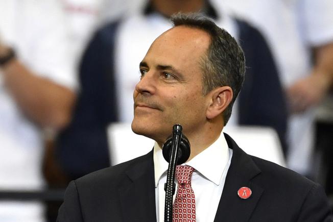 肯塔基州落敗的共和黨籍州長貝文本周離任前無預警特赦數百人,其中還包括暴力罪犯。(美聯社)