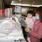 9成血液倒流回母體 新生兒輸3萬cc救命
