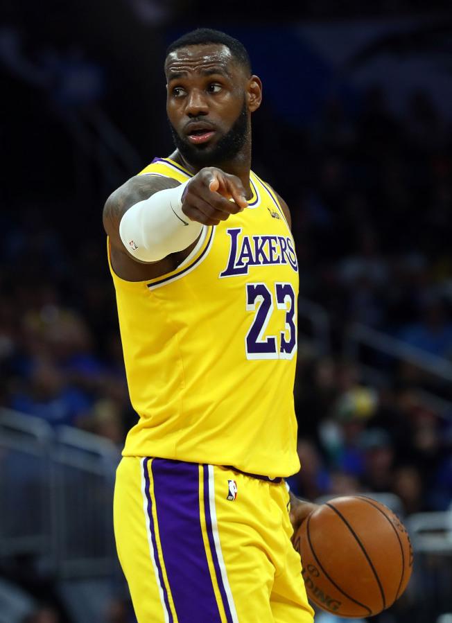 NBA/湖人出洛城保持連勝 詹皇點出原因:每個人是MVP