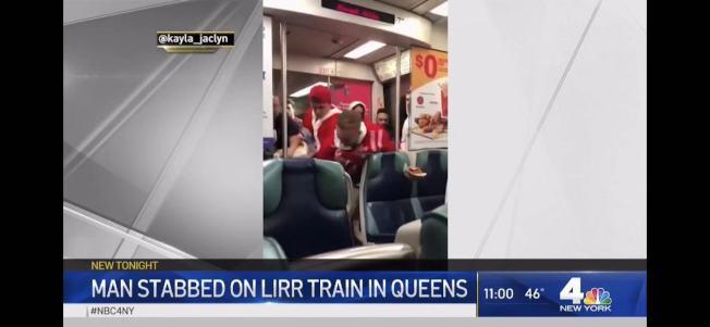一群身穿耶誕老人服飾的男子制伏一名企圖用刀刺傷他人的醉漢。(取自NBC視頻)