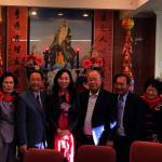 李佳芬拜會羅省中華會館 向國父銅像獻花
