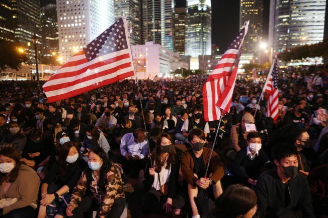 香港反送中示威人士希望美國大力支援,北京則質疑抗議活動有外國勢力介入。(歐新社資料照片)