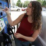 磁條信用卡恐被駭 Visa示警加油站:快更新支付系統
