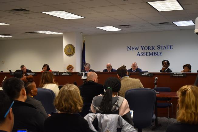 紐約州眾議會16日針對公校市長控制權對紐約市教育整體的有效性舉行公聽。(記者顏嘉瑩/攝影)