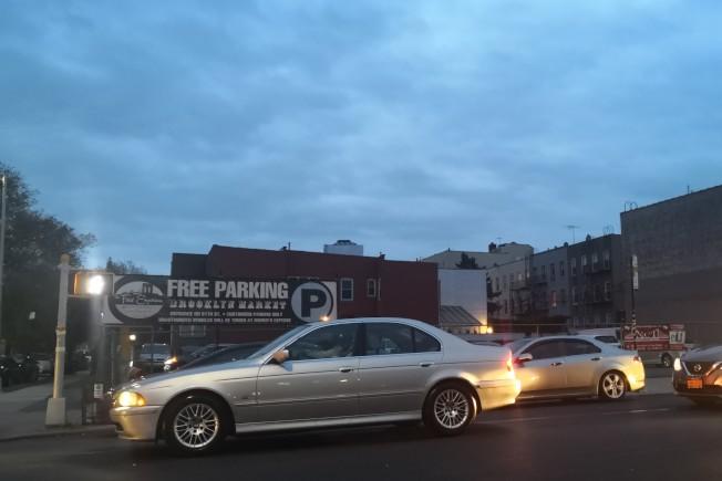 布碌崙3大道一個停車場將變成商住兩用樓。(記者黃伊奕/攝影)
