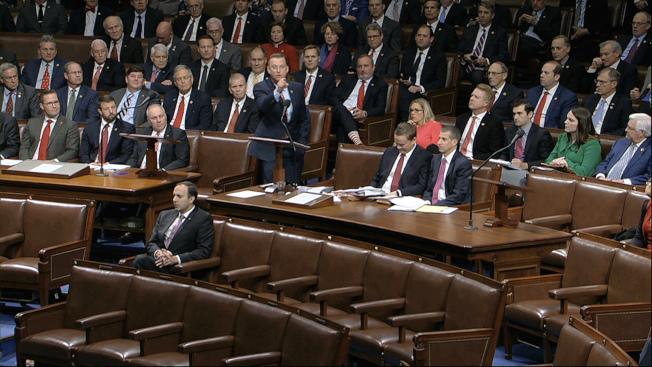 眾院彈劾6小時辯論近尾聲,現正投票。美聯社