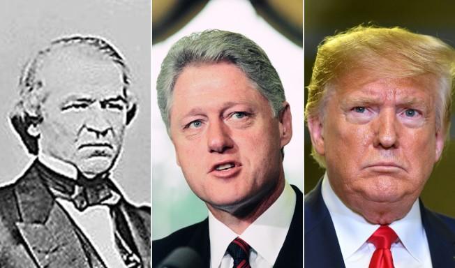 美國國會眾院通過彈劾案,使川普總統成為第三位遭彈劾的總統,圖左起強生、柯林頓及川普。(Getty Images)