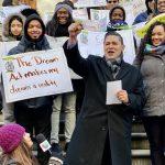 夢想生集會  慶祝夢想法案通過 力爭教育資源