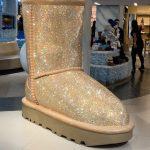 30萬顆水晶製水晶靴 曼哈頓放異彩