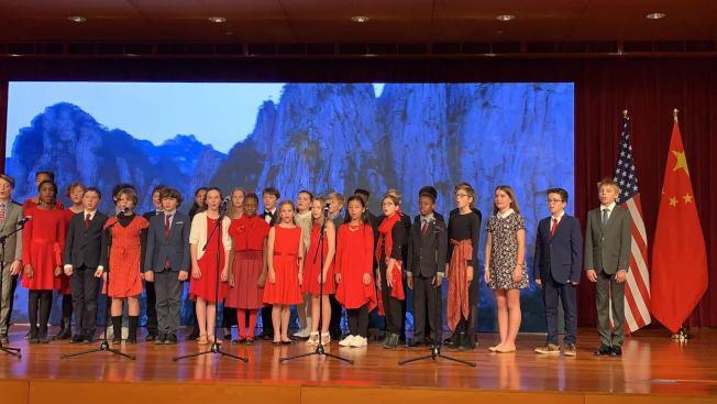 圖為各國孩子合唱「我爱你,中國」。(記者張筠 / 攝影)