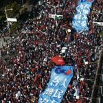 罷韓、挺韓平和 藍綠僑民讚成熟