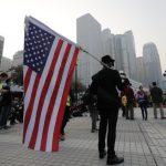 港示威常見星條旗 專欄作家這麼說…