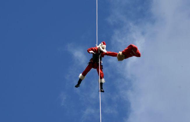 如果問你耶誕老公公的交通工具是什麼?你會回答麋鹿?還是雪橇?(Getty Images)