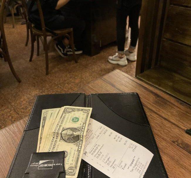 有些客人為了逃避付小費,會刻意嫌東嫌西,挑剔服務。(記者邵冰如/攝影)