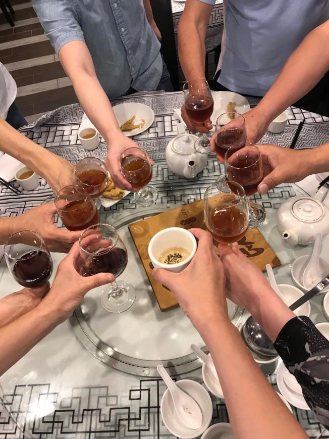 親朋好友聚餐,卻因小費爭議與餐館老闆打了起來(示意圖)。(特派員黃惠玲╱攝影)