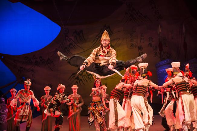 蘭州舞劇《大夢敦煌》第三幕之匕首領舞。蘭州歌舞劇院/提供