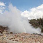 黃石公園汽船噴泉進入異常活躍期 今年狂噴47次