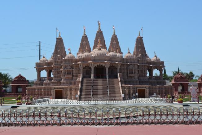 奇諾岡印度神廟。(記者啟鉻/攝影)