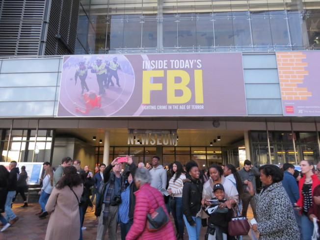 位於美國華府的新聞博物館於12月31日關閉,大批民眾在最後一天前往參觀。華盛頓記者張加/攝影