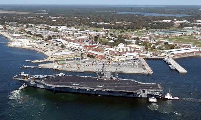 佛州海軍航空基地爆濫射,槍手被擊斃。(Getty Images)
