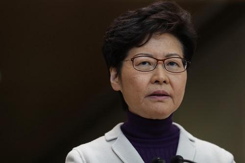 香港影壇盛傳,中央不滿反送中示威活動,有意禁止中國電影及影人參加香港金像獎。圖為香港特首林鄭月娥。(美聯社)