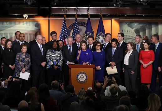 美、墨、加今日在墨西哥簽署修訂版「美墨加貿易協定」。圖為聯邦眾議院議長波洛西(Nancy Pelosi)在記者會上表示眾院現在準備表決這項協定。(Getty Images)