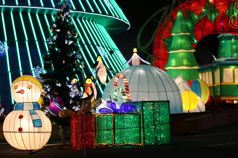 12月28日前來園區,還可以與聖誕老人拍照喔。何卓賢/攝影