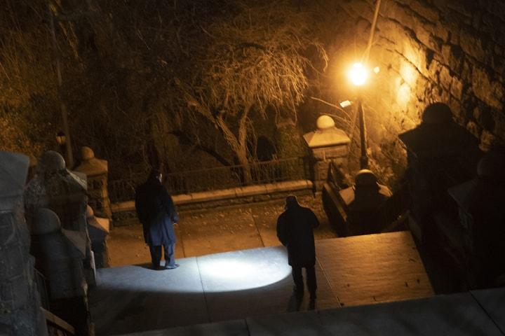 梅吉思被劫殺的公園樓梯,警方正搜尋線索。(美聯社)