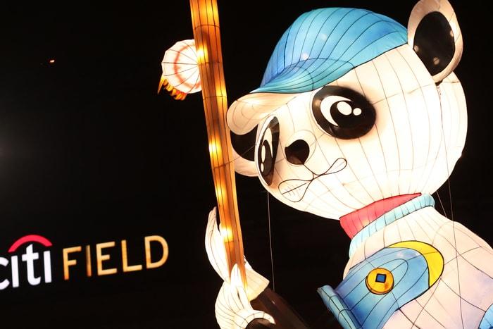 北美最大規模彩燈盛會「Hello Panda Festival」 即日起在皇后區花旗球場(Citi Field)開展。記者何卓賢/攝影