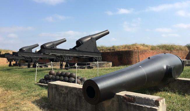 堡壘外圍砲陣地。