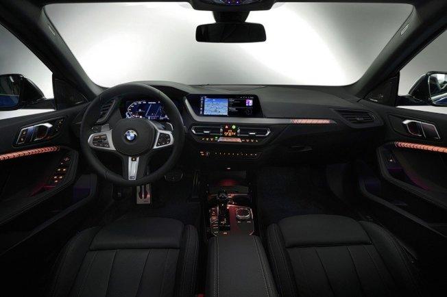 內裝。(BMW)