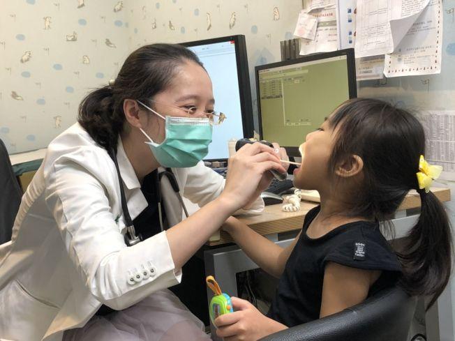 哮吼嚴重時可能導致上呼吸道阻塞、呼吸窘迫、呼吸困難。(記者簡浩正/攝影)