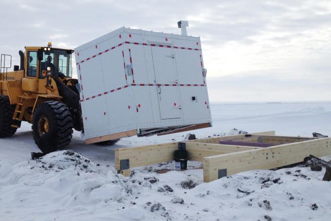 阿拉斯加人克托維克鎮結合傳統與現代科技,打造新冰窖。(美聯社)
