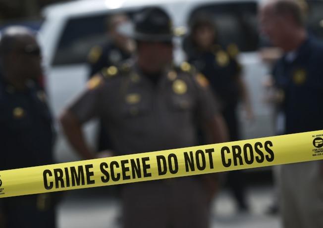 三名搶匪闖入休士頓東郊小鎮Channelview的一間活動屋試圖搶劫,卻反而遭到屋主將搶匪全數擊斃。(Getty Images)