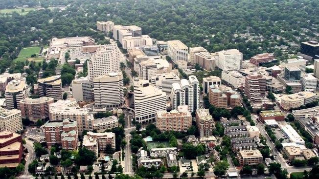 馬里蘭州貝賽斯大市在50個房價過熱的城市中名列第一。圖為空中俯看貝賽斯大市。(取自YouTube)