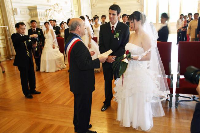 劉龍珠說,一定不要為了綠卡而結婚。(Getty Images)