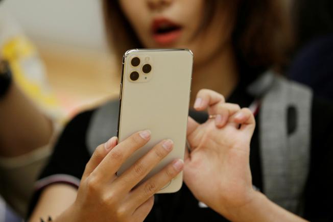 蘋果預期在新款iPhone採用Qualcomm提供的Snapdragon X55 5G連網晶片。(路透)